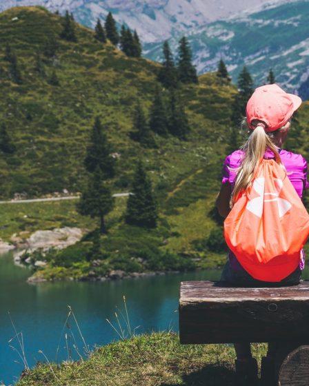 Jak ubrać dziecko na wycieczkę w góry?